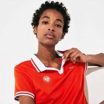 Polo Lacoste Sport respirant à col V Édition Roland Garros - Couleur : Rouge / Blanc / Vert